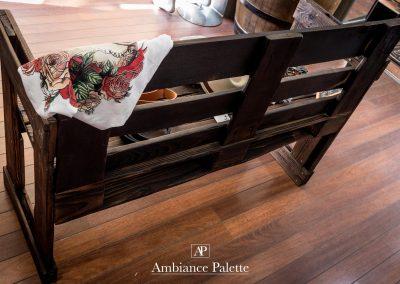 Banc en bois brûlé par Ambiance Palette (1)