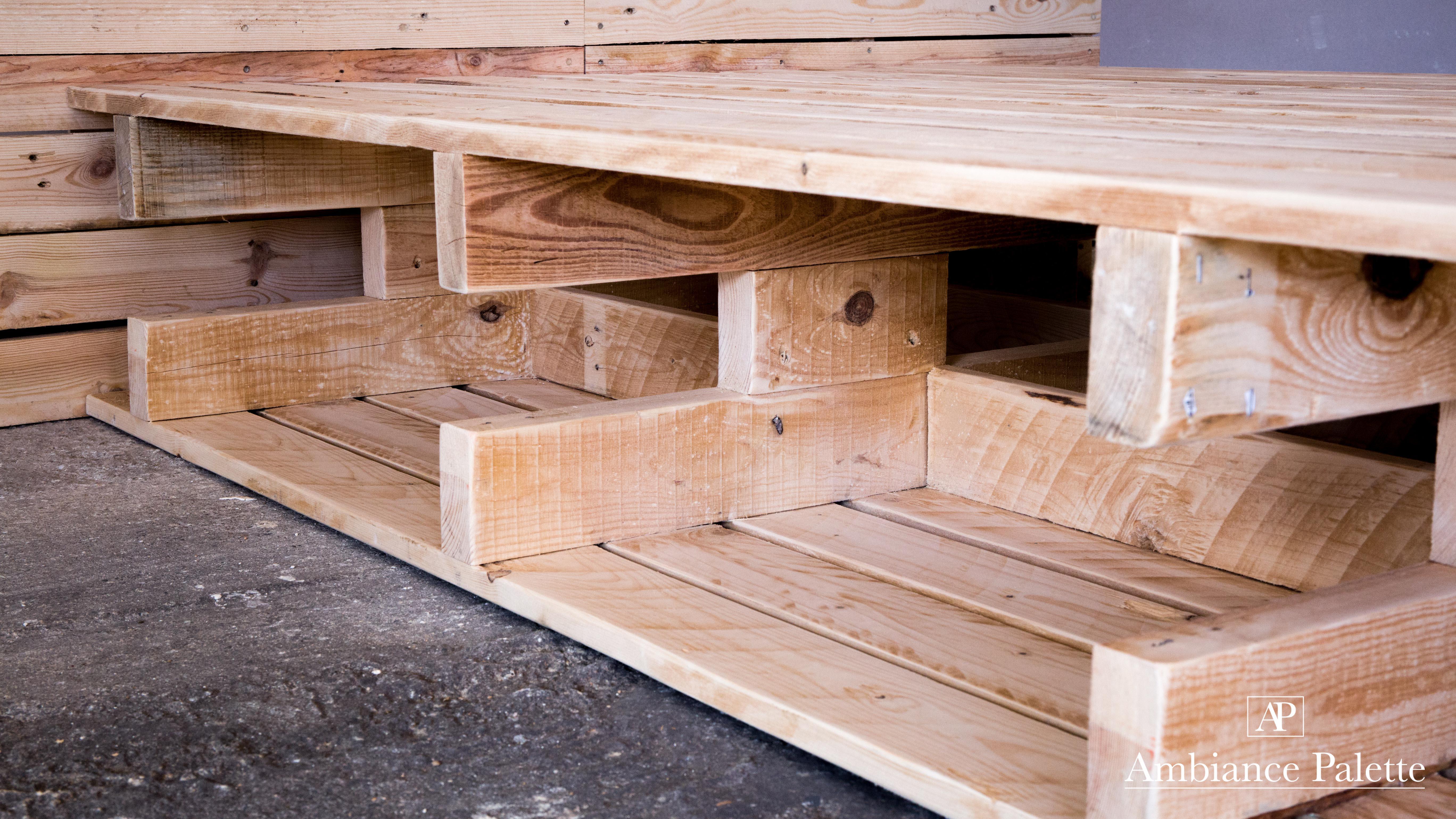 construction en palette de bois id e int ressante pour la conception de meubles en bois qui. Black Bedroom Furniture Sets. Home Design Ideas