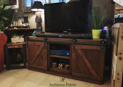 Meuble TV indus barndoor par Ambiance Palette (2)
